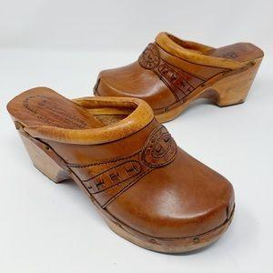 VINTAGE 70s Leather & Wood Platform Clogs Size 8